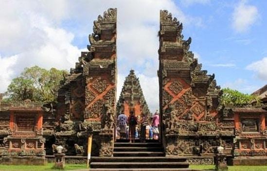 Pura Batuan temple Bali