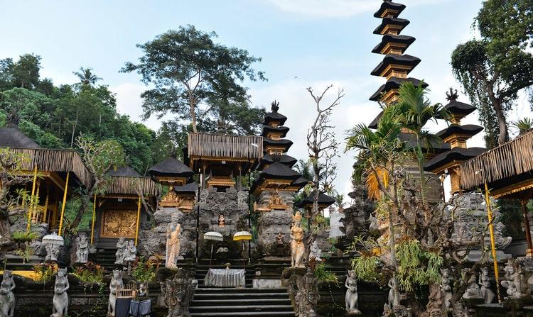 Pura Gunung Lebah Temple